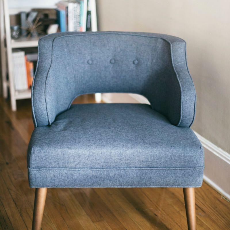 Photo d'un fauteuil bleu tendance