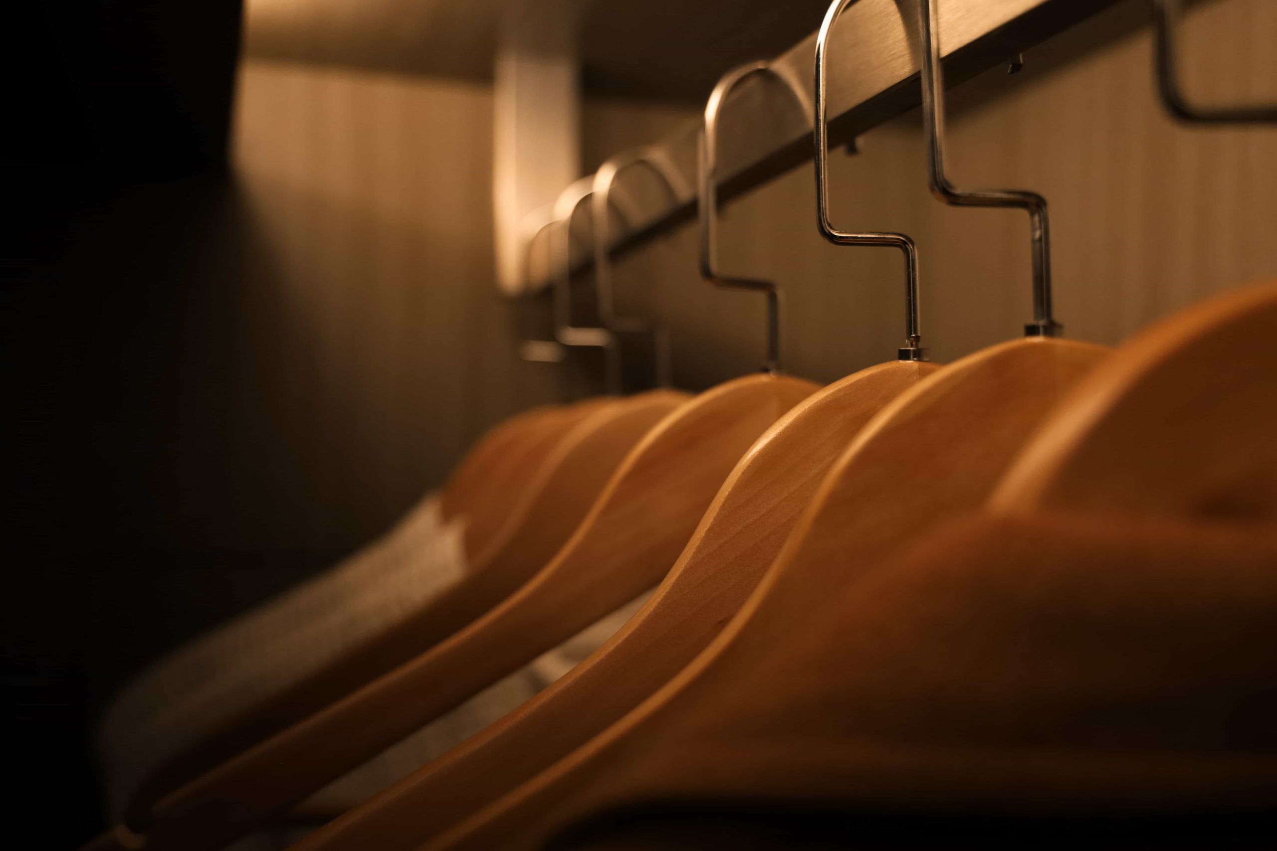 Photos de cintres dans un dressing